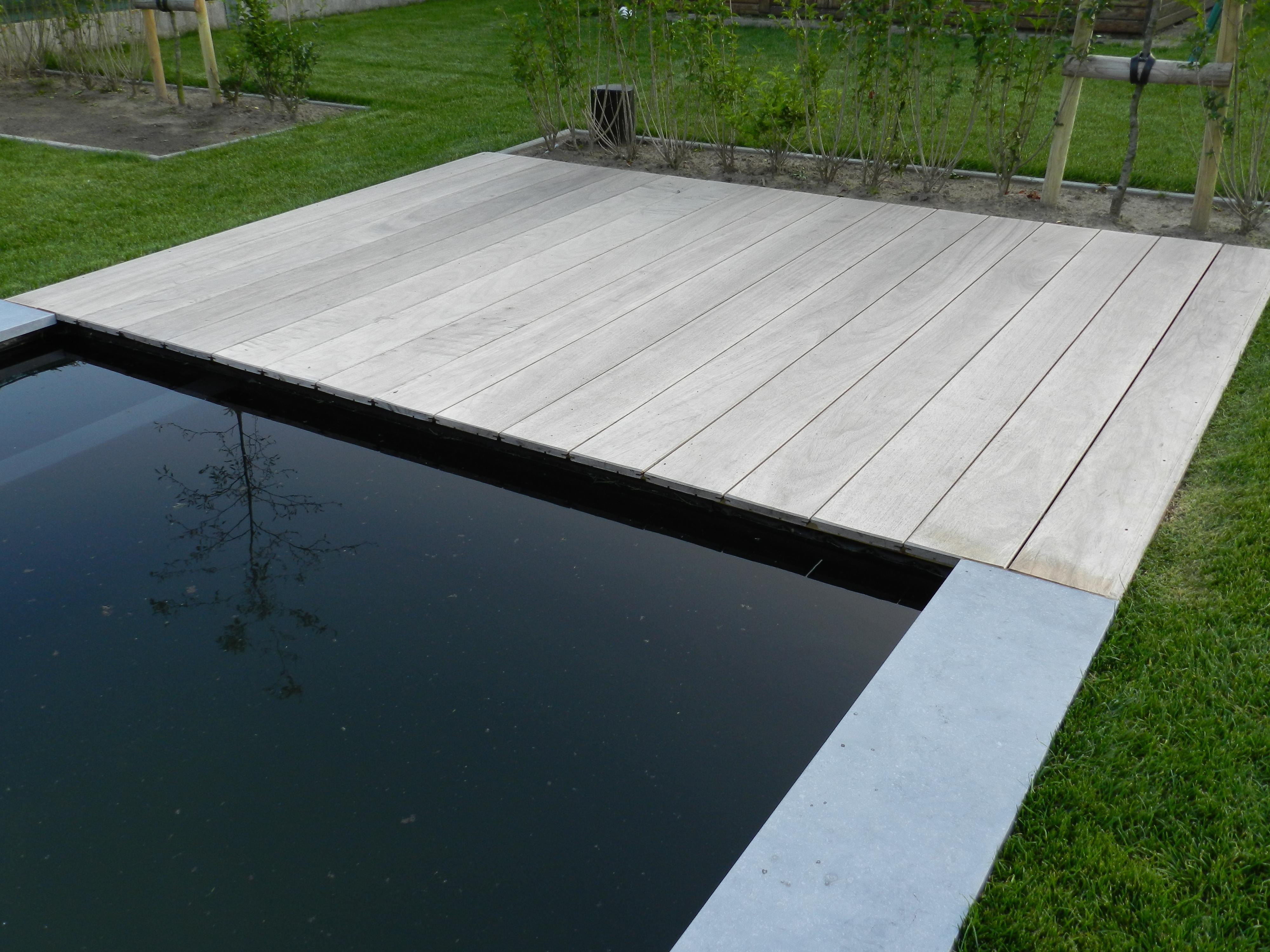 Jurgen den baes houten terrassen for Hout voor vijver