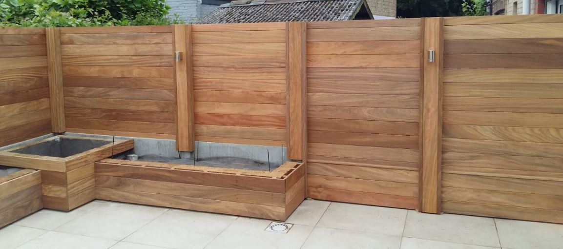Jurgen den baes houten afsluitingen - Feuchtigkeit in den wanden ...