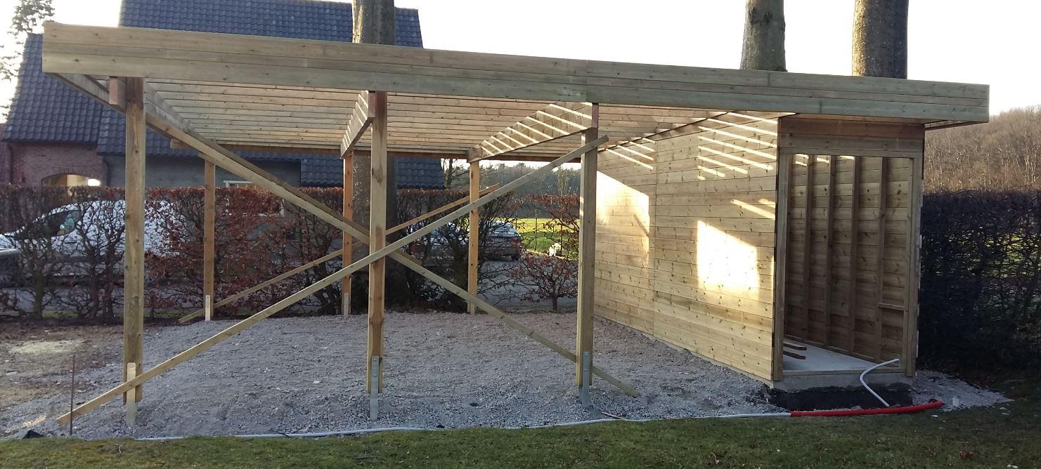 carport met berging in opbouw