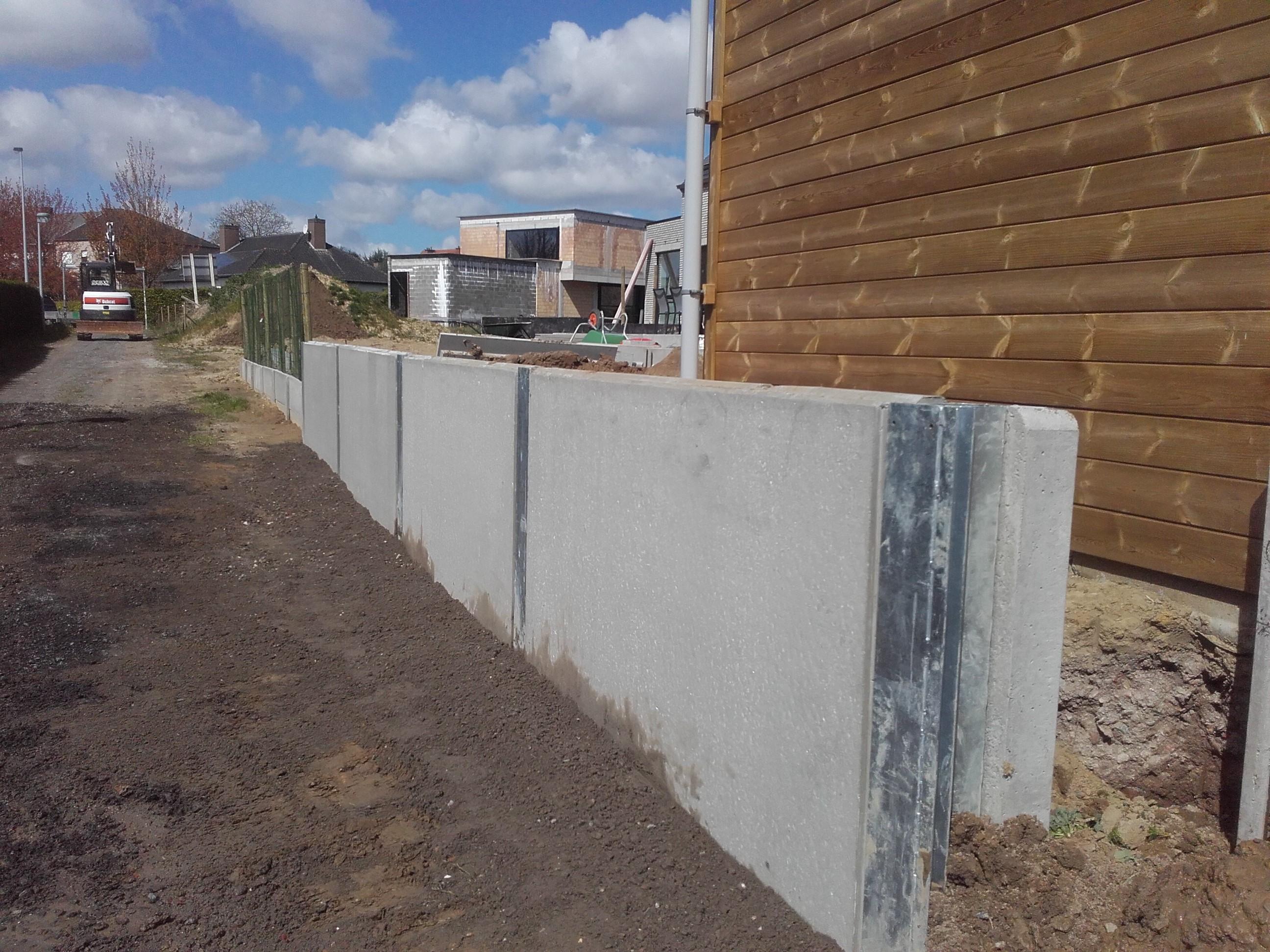 betonelementen met verzinkt H-profiel