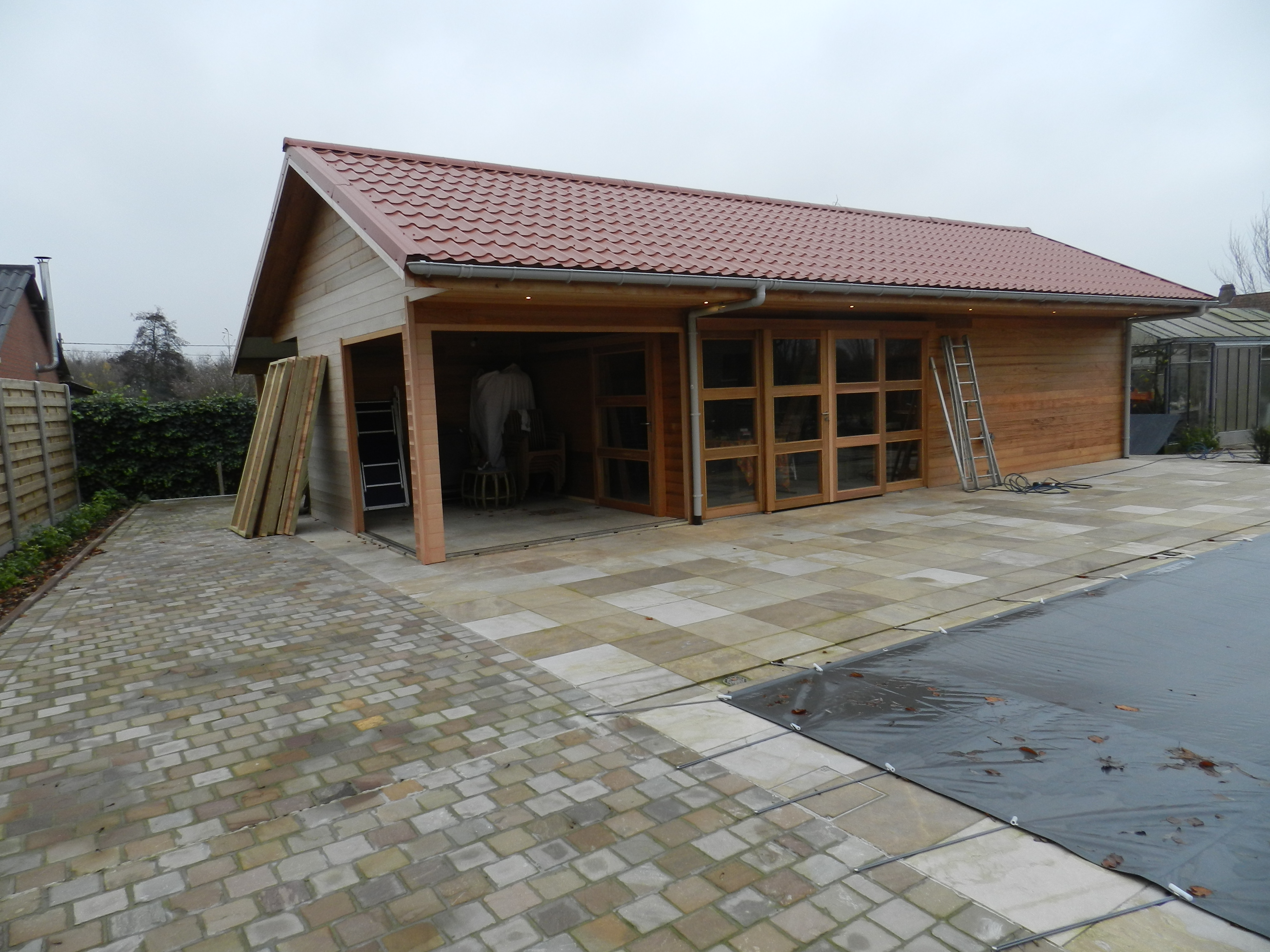 Poolhouse in opbouw