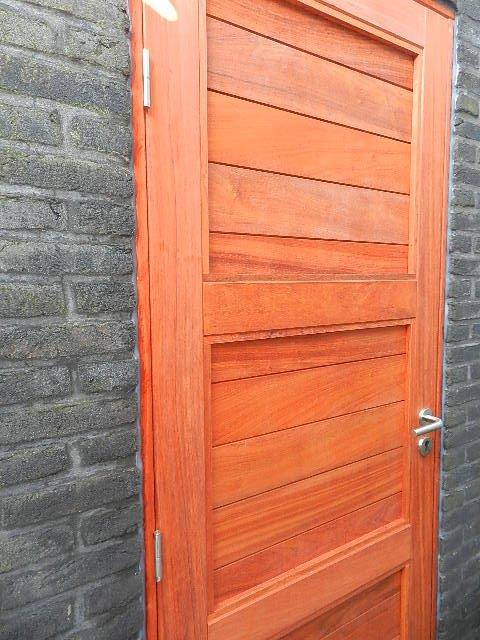 deur in padouk