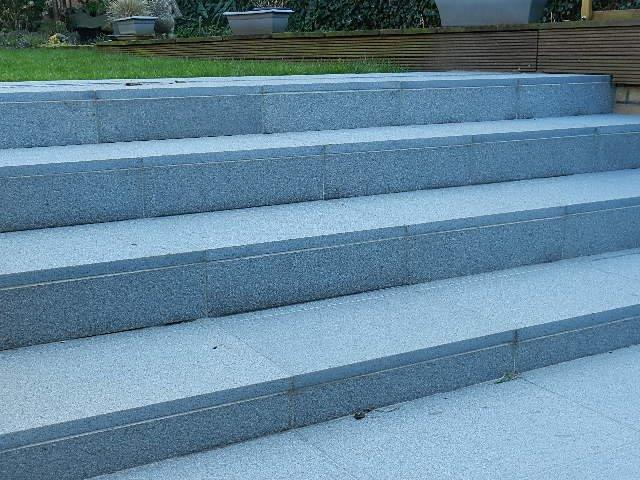 trap uitgewerkt in natuursteen palladio light