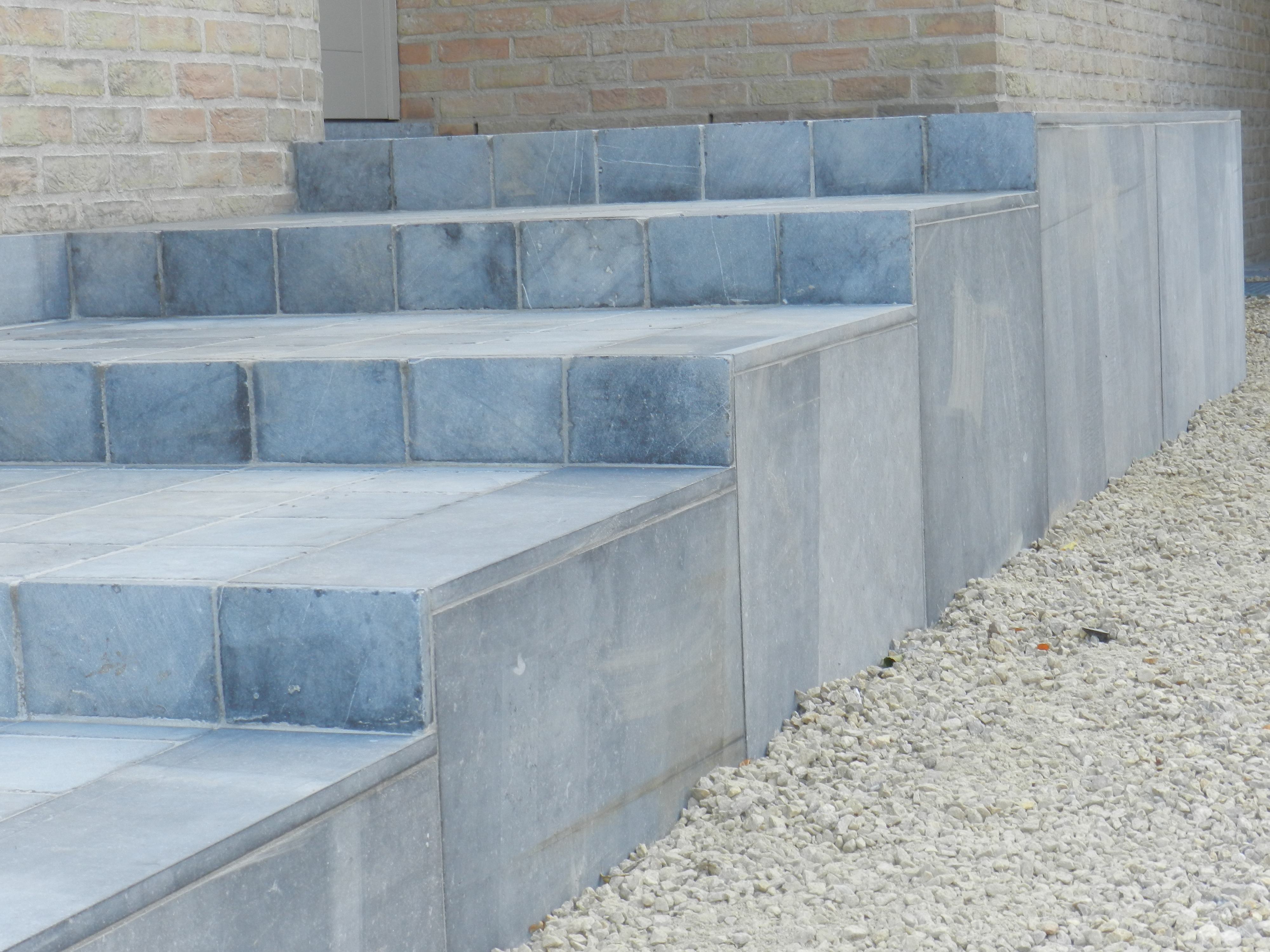 uitwerken trap met natuursteen